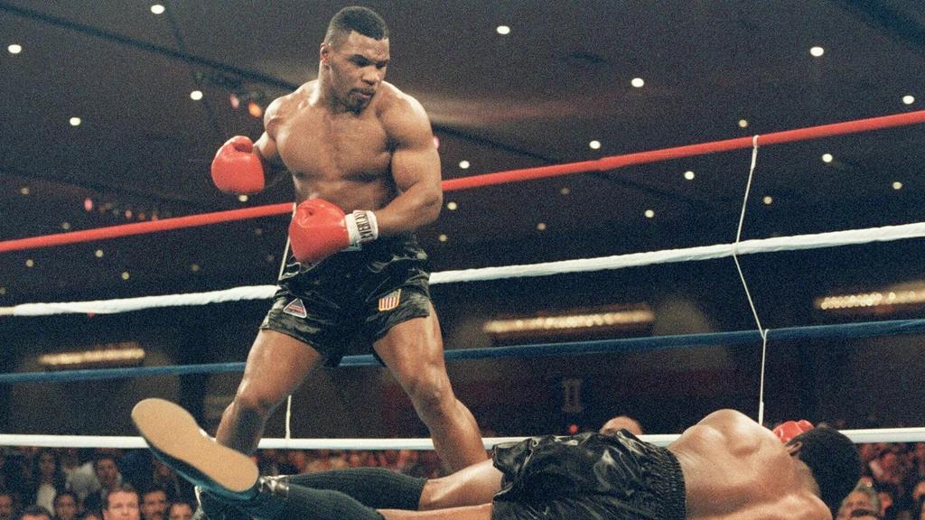Mike Tyson là 1 huyền thoại của làng Quyền Anh thế giới.