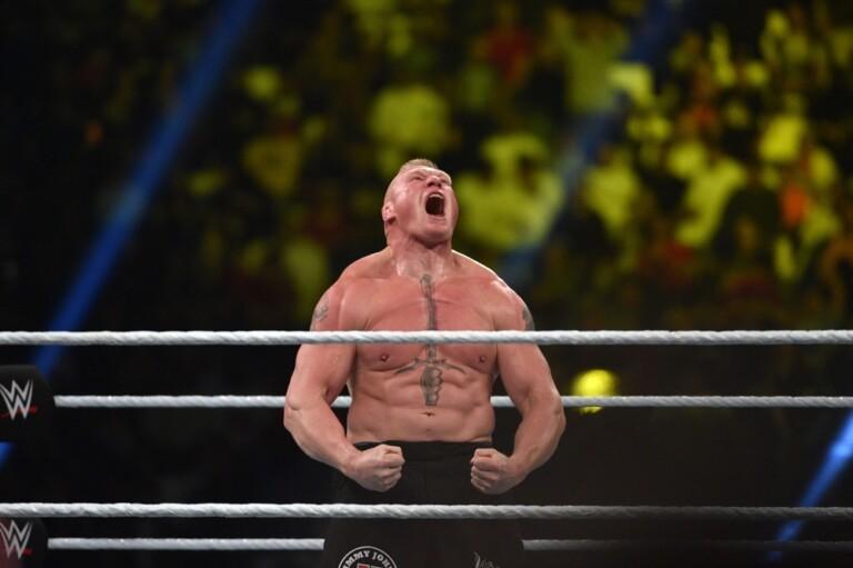 Brock Lesnar vẫn chưa phản hồi đề nghị đấu Jon Jones.