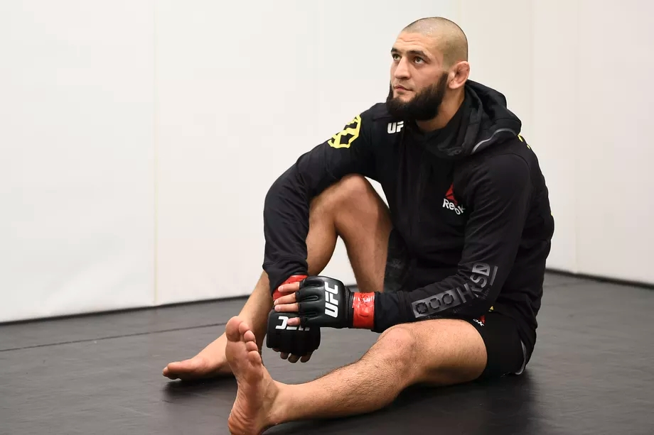 Khamzat Chimaev lỡ cuộc chiến với Leon Edwards tại sự kiện UFC Fight Night 185.