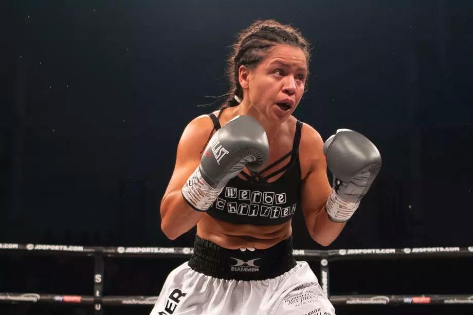 Viviane Obenauf thời còn thi đấu chuyên nghiệp.