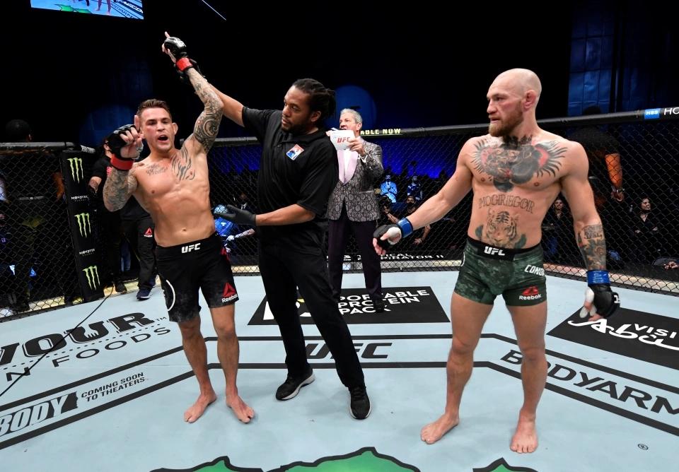 Dustin Poirier giành chiến thắng thuyết phục trước Conor McGregor tại UFC 257.