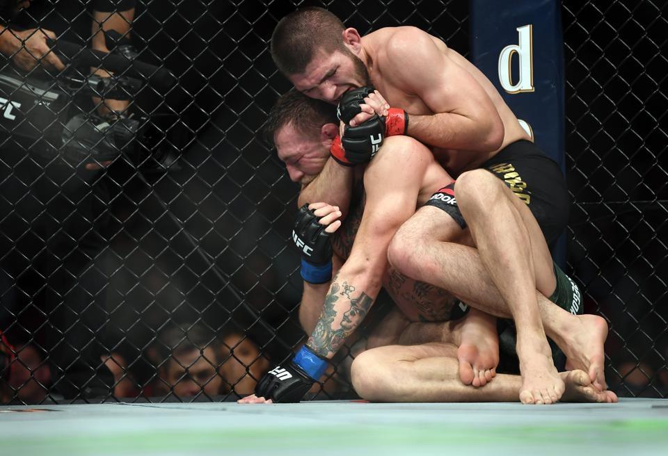 McGregor nhận thất bại trước Khabib Nurmagomedov tại UFC 229.