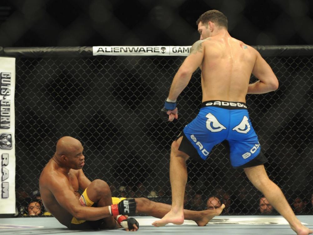 Cựu vô địch UFC: 'Tôi không ăn mừng khi Anderson Silva bị gãy chân'