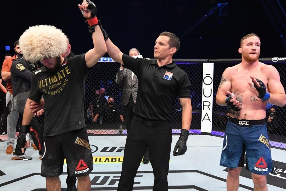 Justin Gaethje thua Khabib Nurmagomedov tại UFC 254.