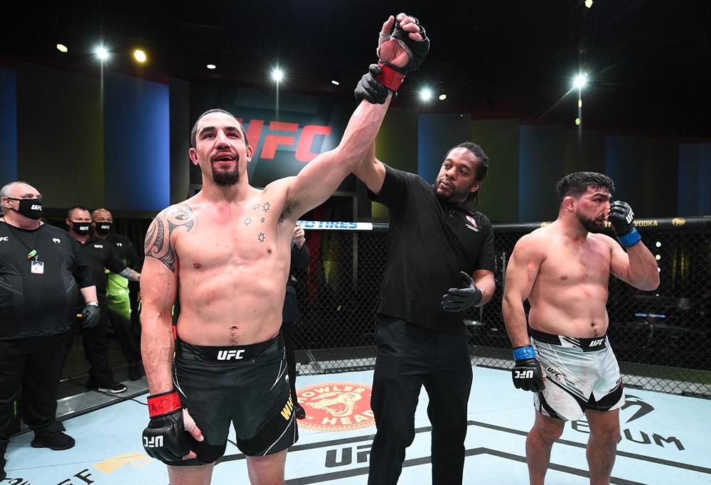 Robert Whittaker tiến gần 1 suất tranh đai hạng trung sau chiến thắng tại UFC on ESPN 22.