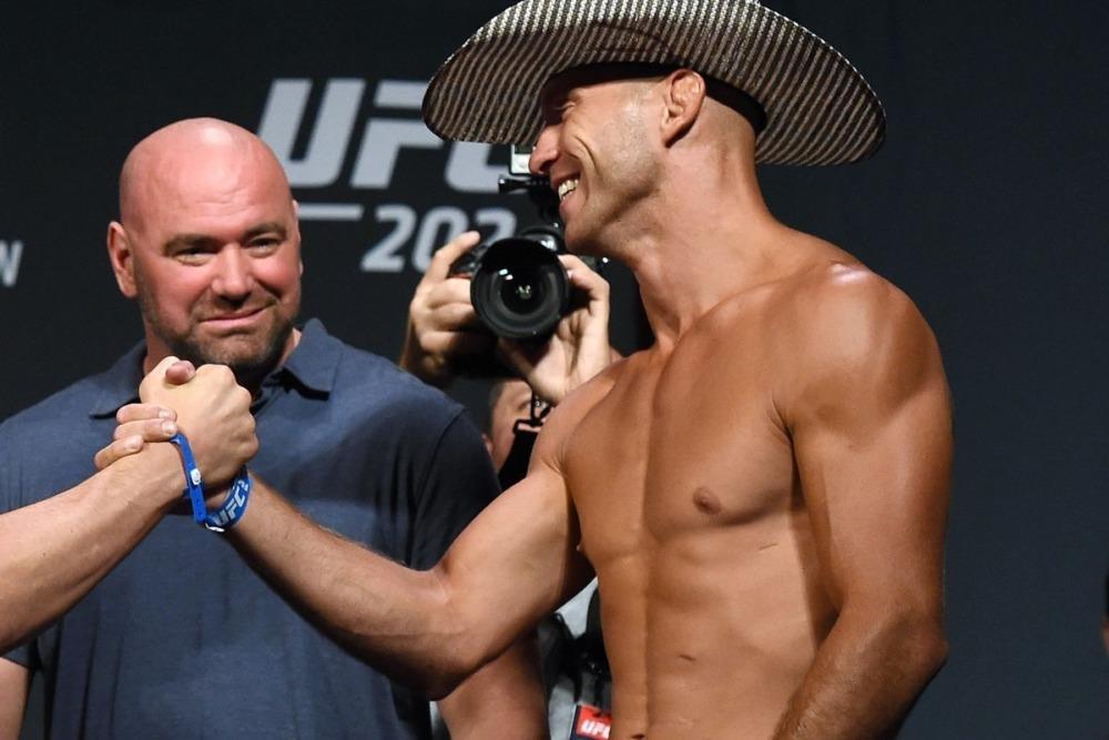 Chủ tịch UFC Dana White muốn cho Donald Cerrone thêm 1 cơ hội cuối trong lồng bát giác.