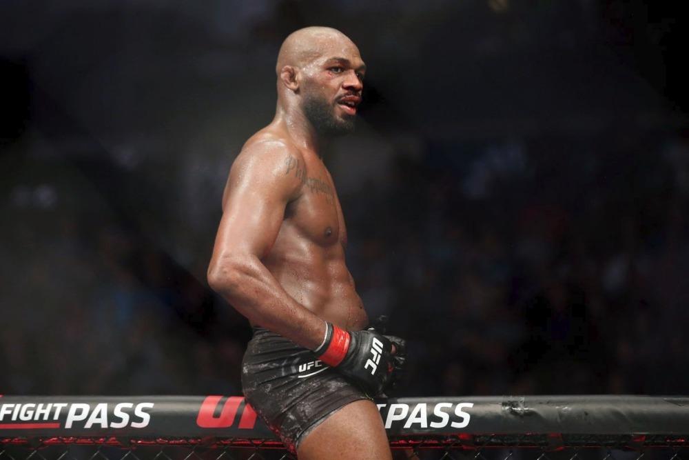 Jon Jones vẫn chưa đạt được thỏa thuận cùng UFC về trận ra mắt hạng cân nặng.