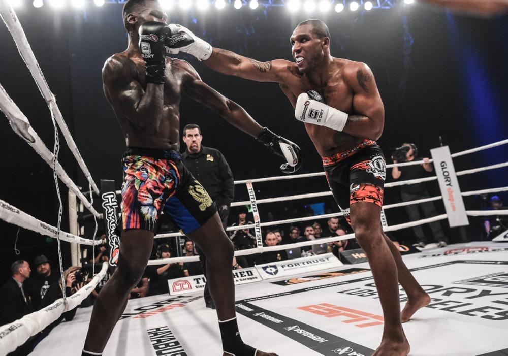 Người từng đánh bại Israel Adesanya, có màn ra mắt MMA thành công