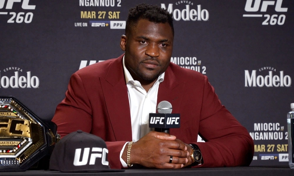 Francis Ngannou đang là nhà vô địch hạng nặng của UFC.