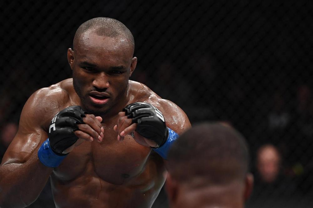 Kamaru Usman đang là đương kim vô địch hạng cân bán trung UFC.