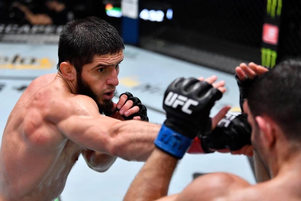 Islam Makhachev tiếp tục nối dài chuỗi thắng lên con số 8 tại UFC on ESPN 26.