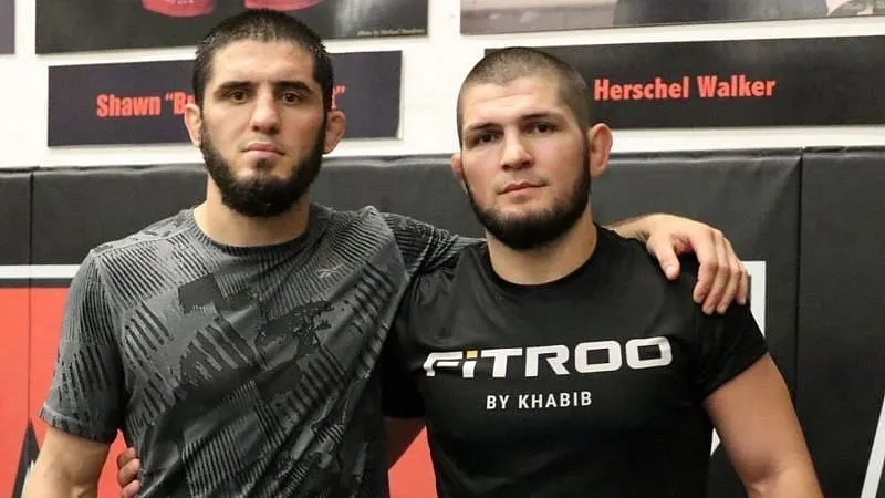 Khabib Nurmagomedov và Islam Makhachev có mối quan hệ thân thiết.
