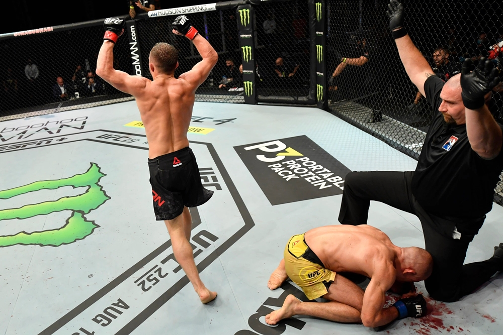 Jose Aldo thua Petr Yan trong trận tranh đai tại UFC 251.