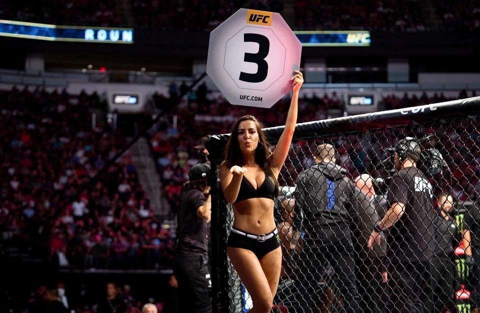 Ring girl từ lâu đã được xem là một phần không thể thiếu của UFC.