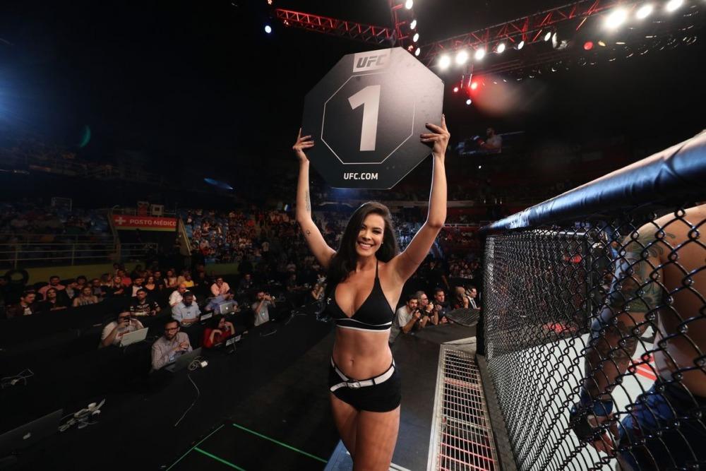 Ring girl từ lâu đã là một phần của các trận đấu tại UFC.