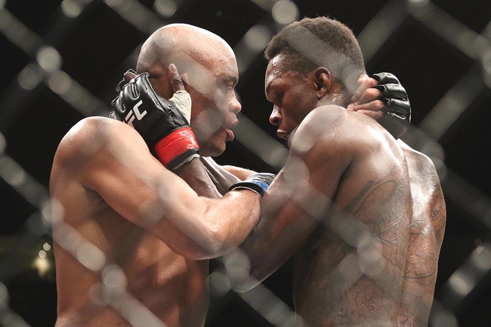 Anderson Silva cho rằng khó có người đánh bại được Israel Adesanya ở hạng cân trung.