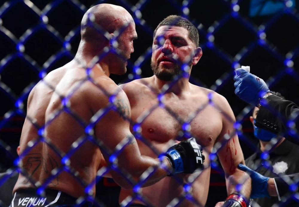 Nick Diaz và Robbie Lawler sau đại chiến ở UFC 266