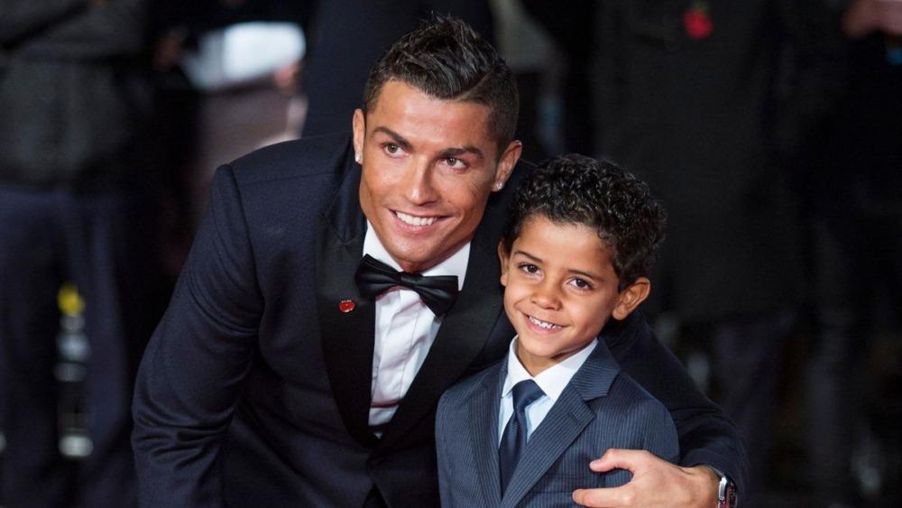 Cristiano Ronaldo sợ con trai không đủ động lực.