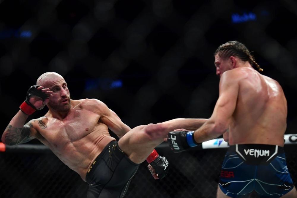 Alexander Volkanovski có chiến thắng thuyết phục trước Brian Ortega tại UFC 266.