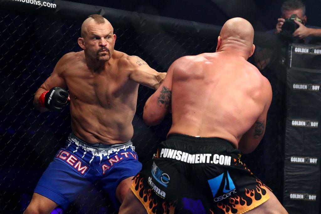 Chuck Liddell trên sàn đấu UFC.