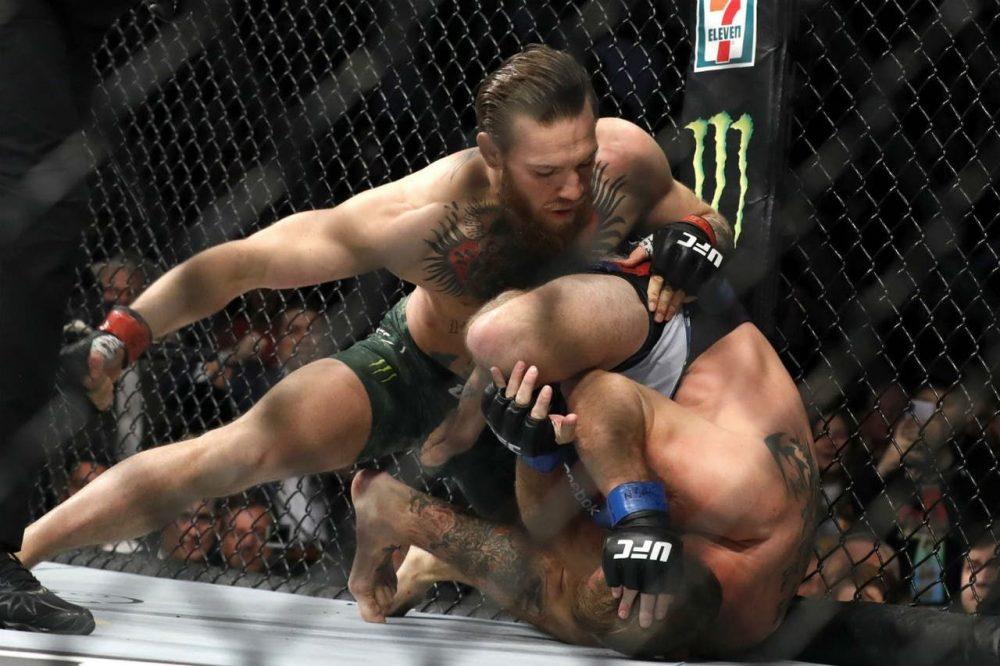 Conor McGregor chỉ mất 40 giây để knock out kỹ thuậtDonaldCowboyCerrone.