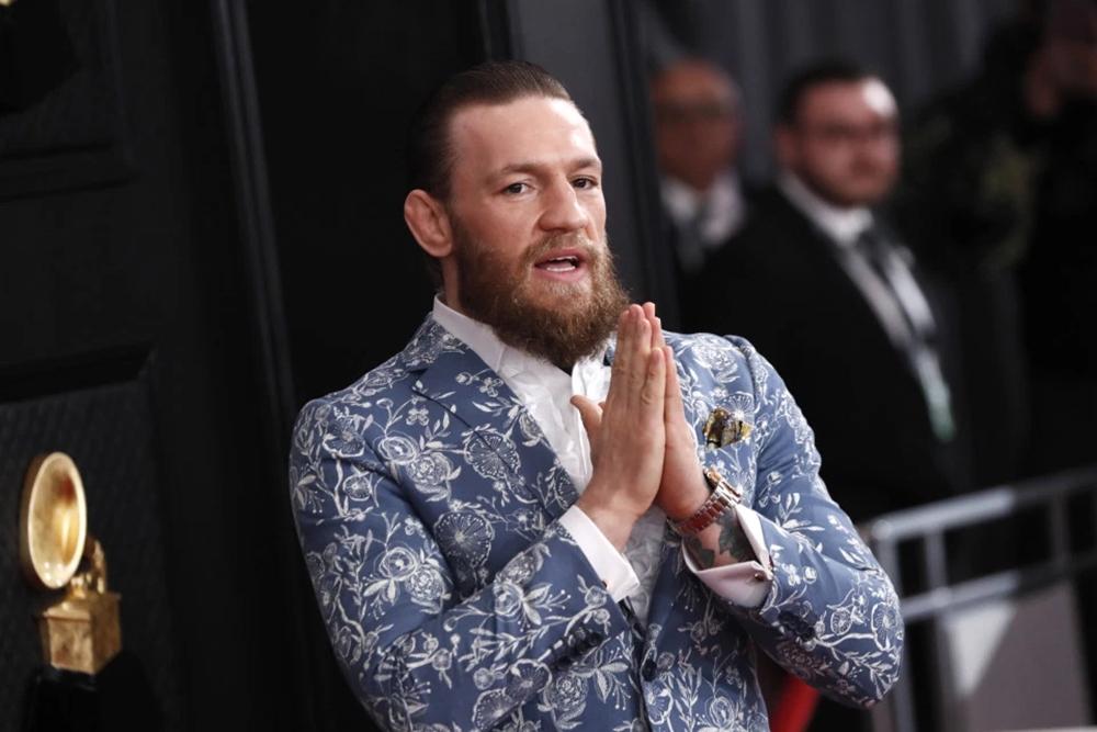 Conor McGregor đã chia sẻ sự đau thương sau cái chết thương tâm củaKobe Bryant.