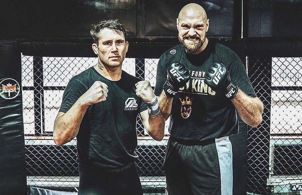 Tyson Fury từng có quãng thời gian tập luyện MMA cùngDarren Till.