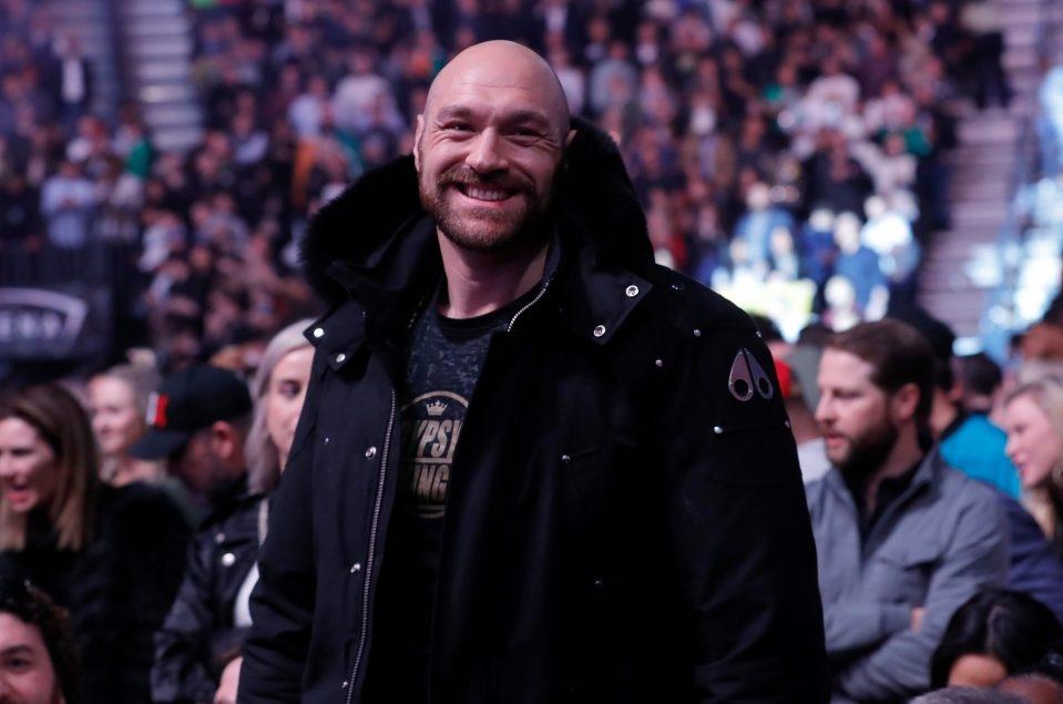 Tyson Fury đến xem mànknock out chóng vánh củaMcGregor tại UFC 246.
