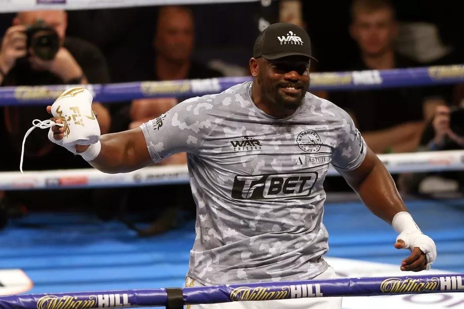 Derek Chisora nghiêm túc cân nhắc việc thi đấu MMA.