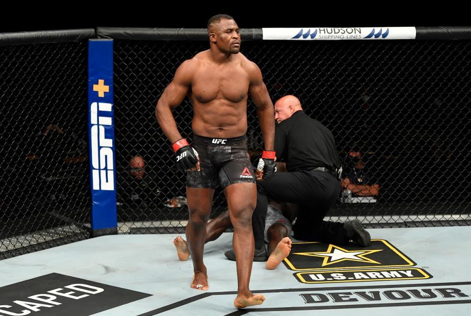 Francis Ngannou đang đứng thứ 3 sauDaniel Cormier và StipeMiocic ở hạng cân nặng UFC.