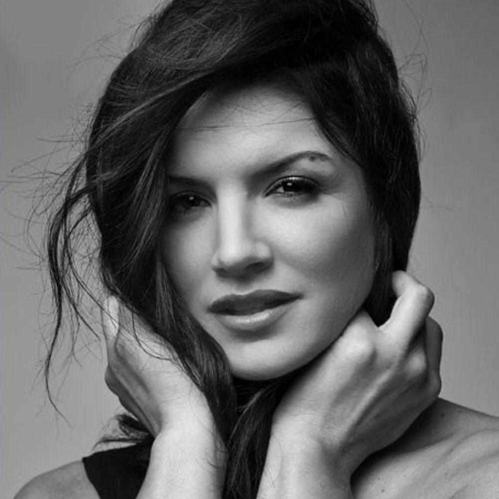 Gina Carano thường xuyênkhoe vẻ đẹp của bản thân trên mạng xã hội.