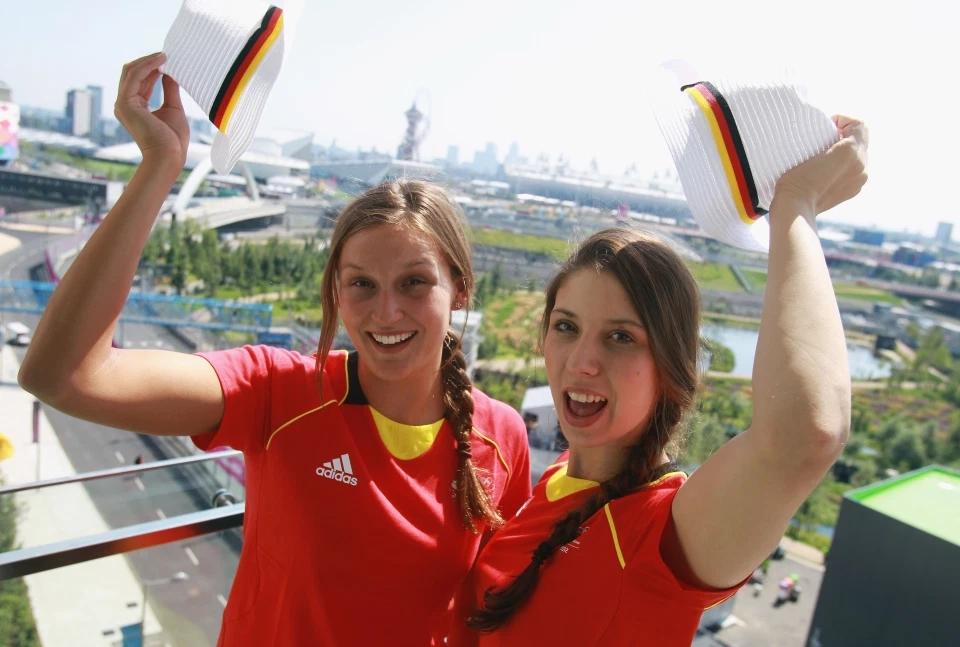 Hàng ngàn vận động viên từ khắp nơi trên thế giới tập trung trong làng VĐVOlympic.