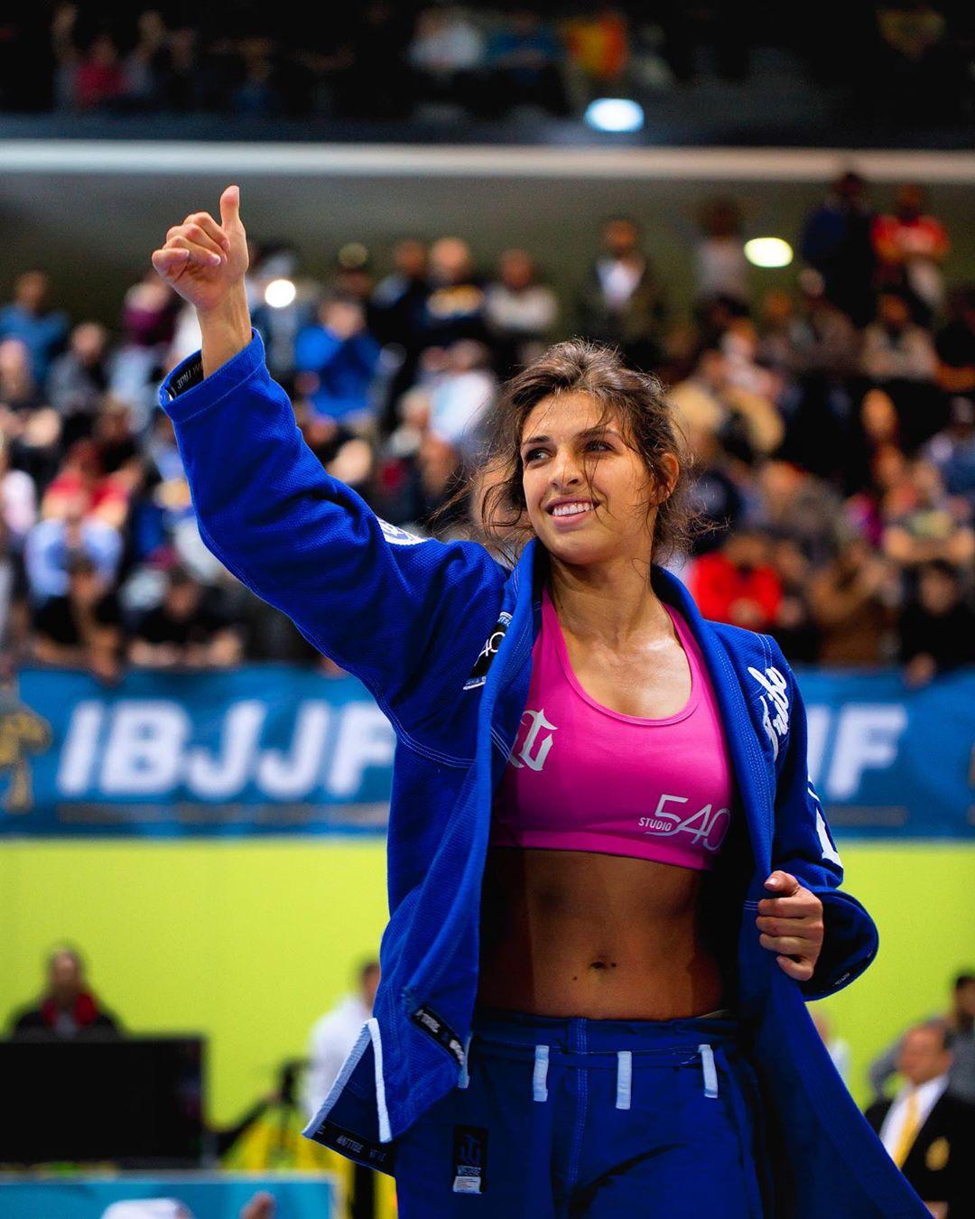 Mackenzie Dern từng là nhà vô địchBJJ nhiều năm liền.