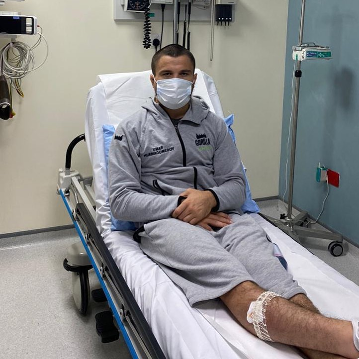 Umar Nurmagomedov trên giường bệnh. Ảnh instagram Khabib Nurmagomedov.
