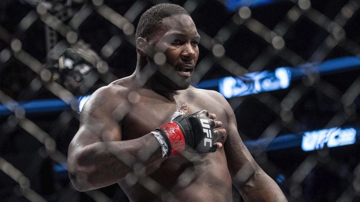 Anthony Johnson đang cân nhắc việc trở lại lồng bát giác UFC.