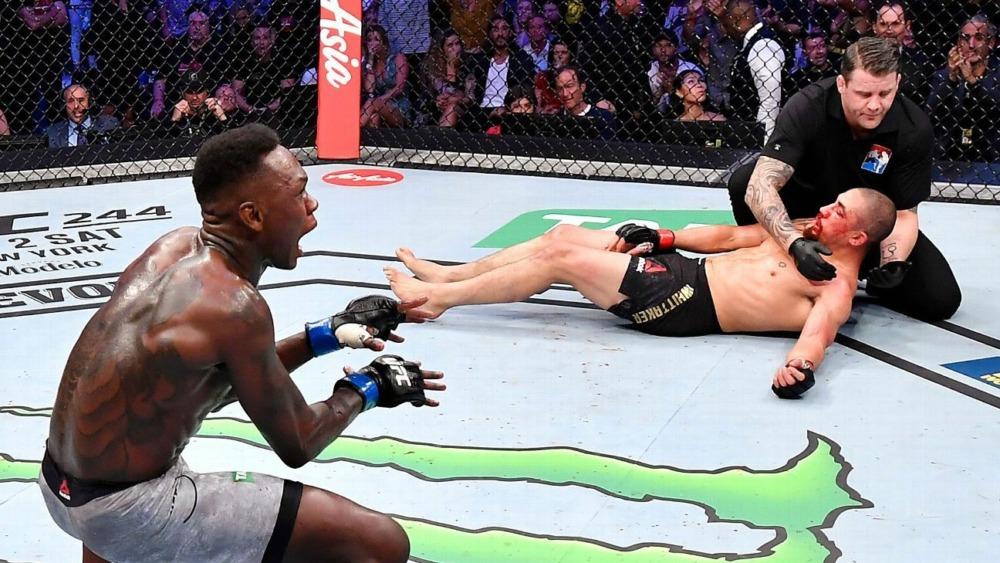 Robert Whittaker từng bị Israel Adesanya knockout ở UFC 243.