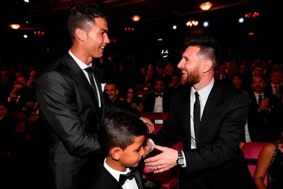 2 huyền thoại bóng đá Lionel Messi và Cristiano Ronaldo đều đã gia nhập CLB tỷ phú.